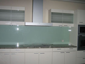 Solid glass backsplash kitchen